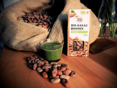 Grüner Smoothie mit Rohen Kakaobohnen