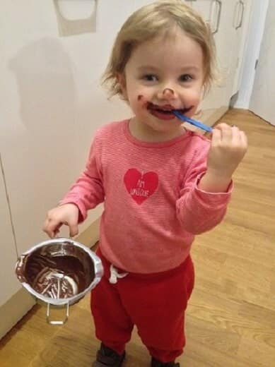 Schokoladeneis mit Kakaonibs